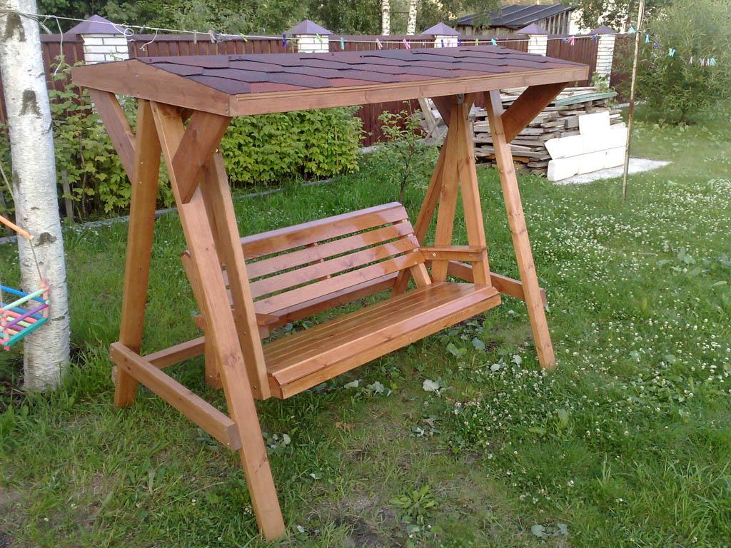 Качели садовые деревянные фото