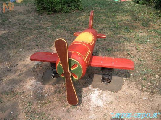 Деревянный самолет для детской площадки своими руками 70